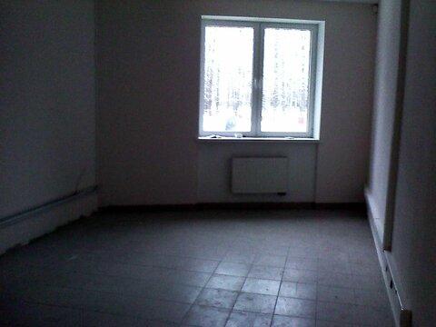 Офисное помещение свободной планировки на первом этаже 90 кв.м. - Фото 1