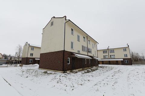 Продам таунхаус в отличном месте, 3 этажа, 170 кв.м, пос.им. Свердлова - Фото 2