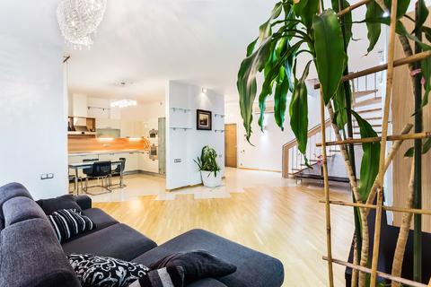 Сдается 3-х комнатная, 2-х уровневая квартира на Зоологической 18 - Фото 3