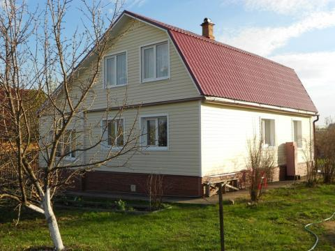 Дом в деревне у большого озера, участок 17 соток, Баня. - Фото 1