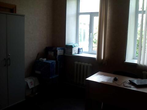 Офисное помещение на втором этаже бизнес-центра, 7,2 кв.м - Фото 1