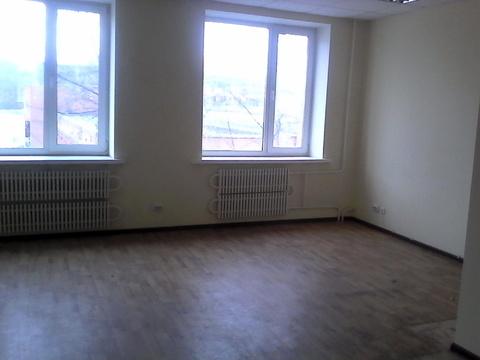Помещение на 2 этаже офисного здания, 27,1 кв.м.