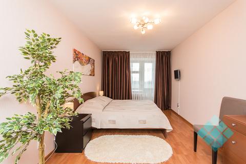 Просторная 2-комнатная посуточно в новом доме на ул.Невзоровых, 47 - Фото 2