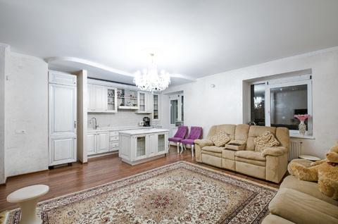Продается роскошная меблированная 3-к.кв. 102 кв.м в кирпичном доме - Фото 1