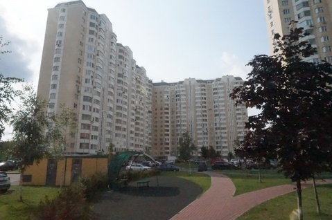 Продается Трехкомн. кв. г.Москва, Нарвская ул, 1ак2 - Фото 1
