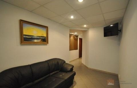 Продажа помещения в центре возле метро, сдано в аренду, 130 кв. метров - Фото 1
