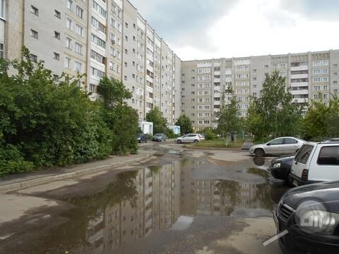 Продается комната с ок в 3-комнатной квартире, ул. Антонова - Фото 1