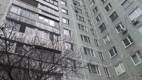 Продам 2-к квартиру, Москва г, улица Лескова 13а - Фото 1