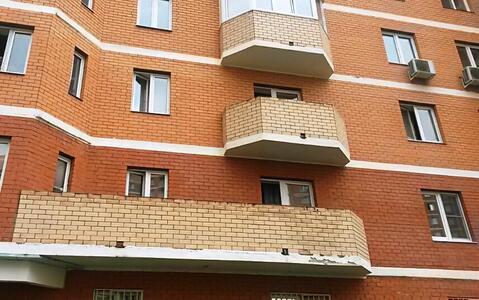 Продается отличная двухкомнатная квартира. Этаж третий. 64/35/12 - Фото 1