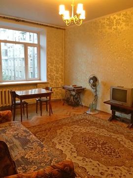 Сдаю просторную 2-к квартиру в сталинке в 1 минуте от метро - Фото 1