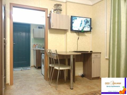 Продается 1-комнатная изолированная гостинка, Приморский р-н - Фото 1