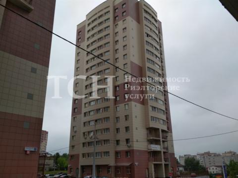 Продам 2-комнатную - ул дзержинского, 188, 50 квм на 1 этаже 5-этажного кирпичного дома