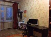 Продажа квартиры в добротном кирпичном доме с двумя выходами на лоджию - Фото 2
