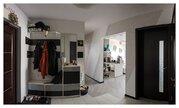 Продается уютная квартира на солнечном этаже с дизайнерским ремонтом - Фото 1
