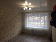 Продается не угловая двухкомнатная квартира - Фото 1