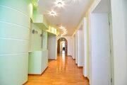 Продам 4-к квартиру, Новокузнецк город, улица Тольятти 80 - Фото 1