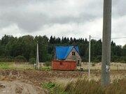 Продается участок 10 соток с щитовым 2 эт. домом без отделки 100 кв.м. - Фото 1
