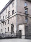 Трехкомнатная квартира в Сталинском доме в Отличном месте!