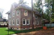 В продаже двухэтажный кирпичный дом площадью 373 кв.м.