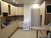 2 комнатная квартира в поселке Большевик улица Ленина - Фото 1