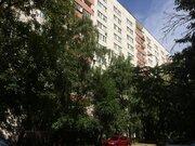 Квартира с хорошим ремонтом, изолированными комнатами и большой кухней - Фото 1