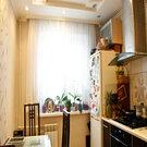 Квартира в отличном состоянии. Остается дорогой кухон. гарнитур. Торг. - Фото 2