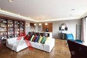 Квартира с авторским дизайном, террасой и панорамными видами на город - Фото 3