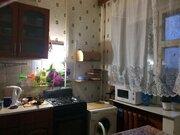 Продажа квартиры в добротном кирпичном доме с двумя выходами на лоджию - Фото 3