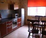 Продается двухкомнатная квартира в Нахабино, улица Чкалова, дом 7 - Фото 1