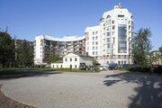 Видовая трехкомнатная квартира на Петровском острове