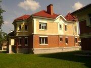 Дом в закрытом коттеджном поселке - Фото 1