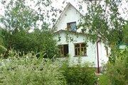 Шикарная ухоженная дача с баней в обществе на берегу озера в Шелковике - Фото 1