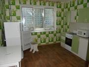1 комнатная квартира С ремонтом в центре 6 мкрна п. Солнечный выгодно - Фото 1