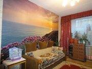Продаётся двухкомнатная квартира в сталинском доме - Фото 1
