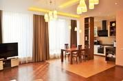 Просторная 3-комнатная квартира с паркоместом в пос. Горный, Ливадия - Фото 1