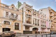 Продаюмногокомнатную квартиру, Москва, м. Кропоткинская, Барыковский .