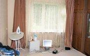 Доля в трехкомнатной квартире в Новой Москве, Щербинка, Почтовая улица - Фото 1