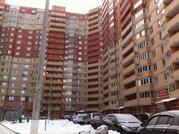 3-комнатная квартира в пос. Нахабино, ул. Чкалова, д. 7 - Фото 1