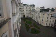 Аренда четырехкомнатной квартиры 210 м.кв, Москва, Парк культуры м, .