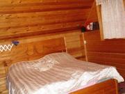 В лесном массиве, крайний к лесу, расположен бревенчатый дом - Фото 5