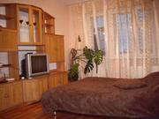Посуточно сдам 2 ком. квартиру в Старом Осколе, р-н рынка юбилейный, м - Фото 1