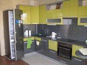 Квартира с хорошим ремонтом и встроен. кухней, готова к заселению и - Фото 3