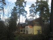 Продаю дом 220 м2 в п.Быково, уч-к 15 сот, сосны, ПМЖ, ИЖС, озеро, лес - Фото 1
