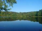 Участок с панорамный видом, расположенный на берегу большого озера - Фото 1