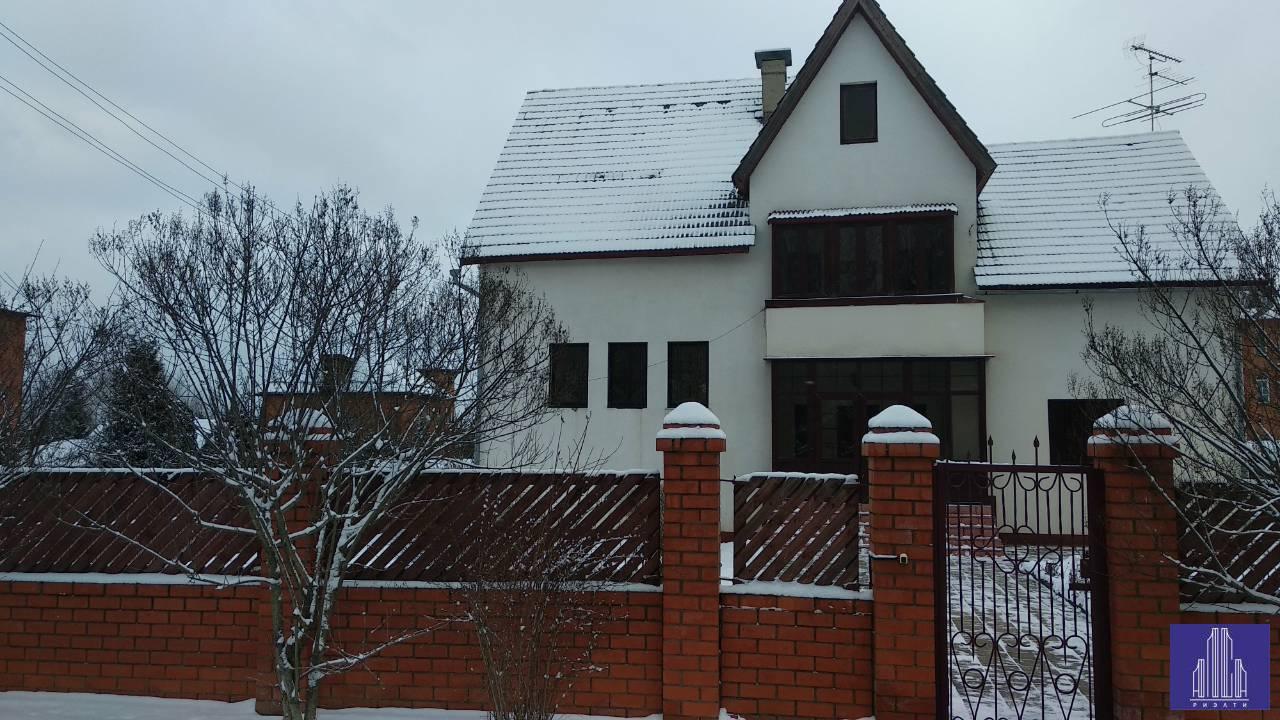 Продам дом по адресу Россия, Московская область, Солнечногорский район, Солнечногорск, ул. Рябиновая Аллея фото 1 по выгодной цене