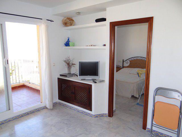 Снять квартиру на месяц в испании недорого