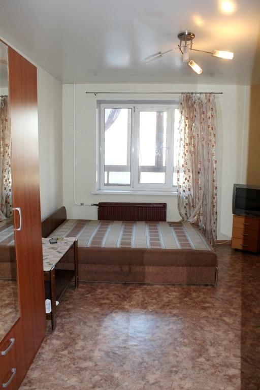 Квартира с большой лоджией и двумя кладовками, купить кварти.