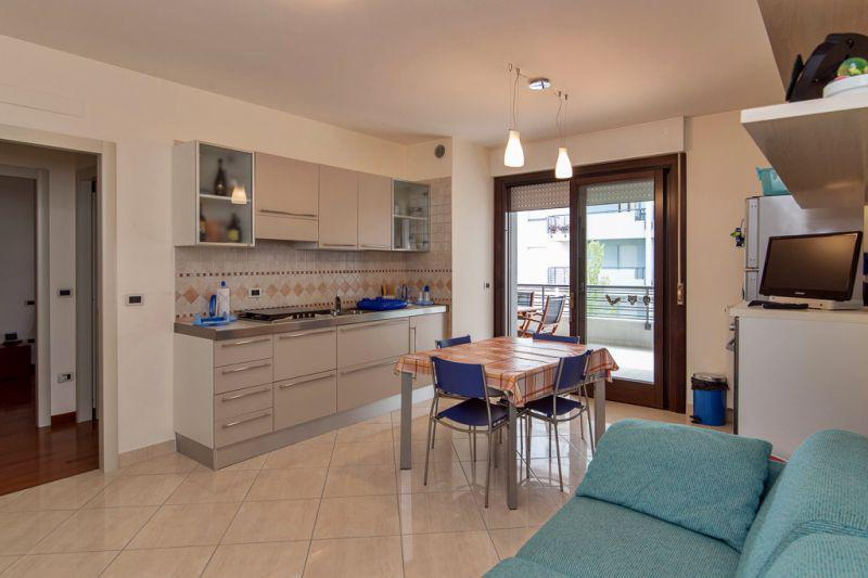 Buy cheap apartment in Stresa for 40,000 euros with photos