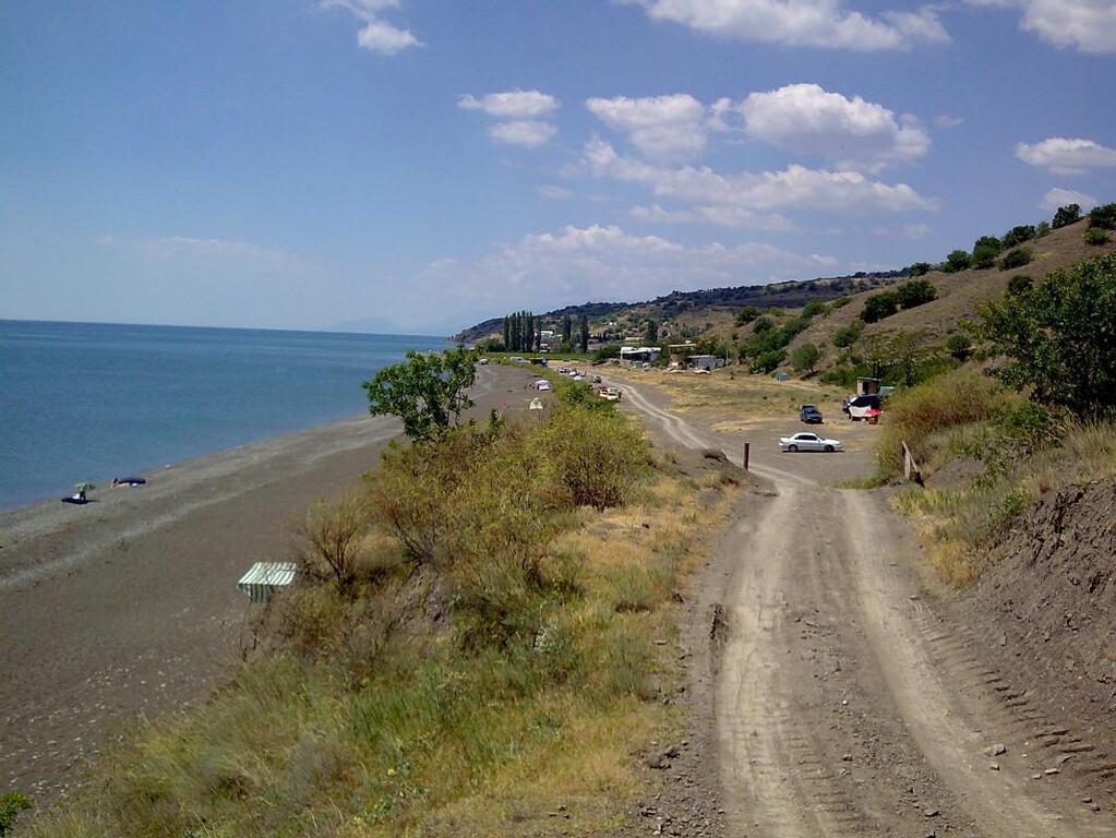Купить земельный участок у моря в алуште