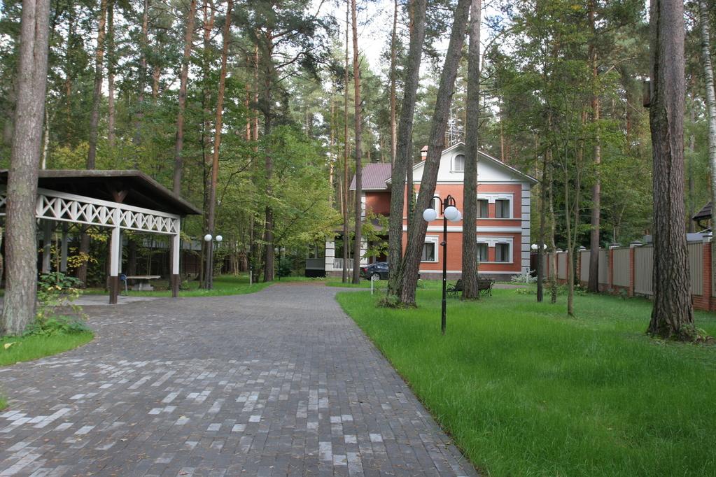 Охранник частного дома москва рублевка дома для престарелых ярославль